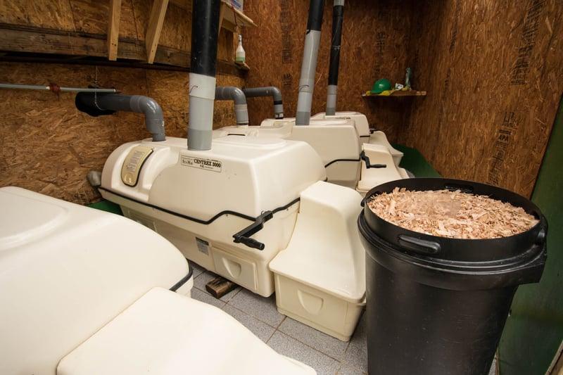 Composting chambers