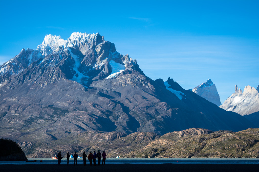 Grey Beach (with its amazing view on the Paine Grande peak) marks the beginning of the 60K race