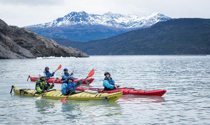 Kayak Grey Glacier